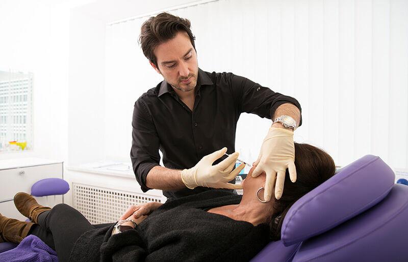 Schönheitschirurg in Köln